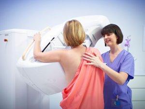 Прохождение маммографии для диагностики мастопатии