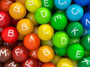 Дефицит витаминов - причина появления белого налета