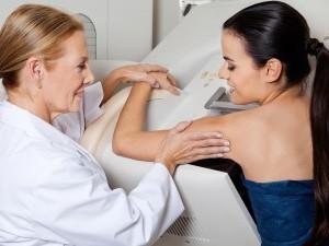 Обследование женской груди
